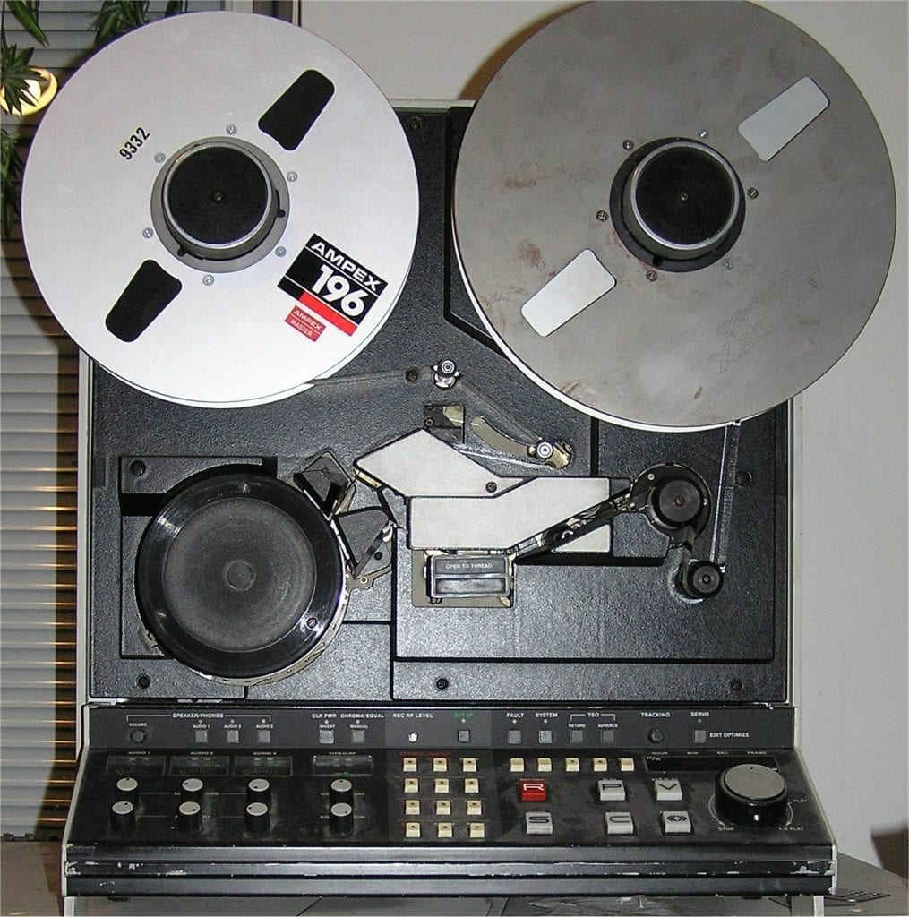 Whereas many albums of the time had a truncated high-frequency range due to poorly calibrated tape machines, this record maintained its full frequency spectrum and hi-fi sound.