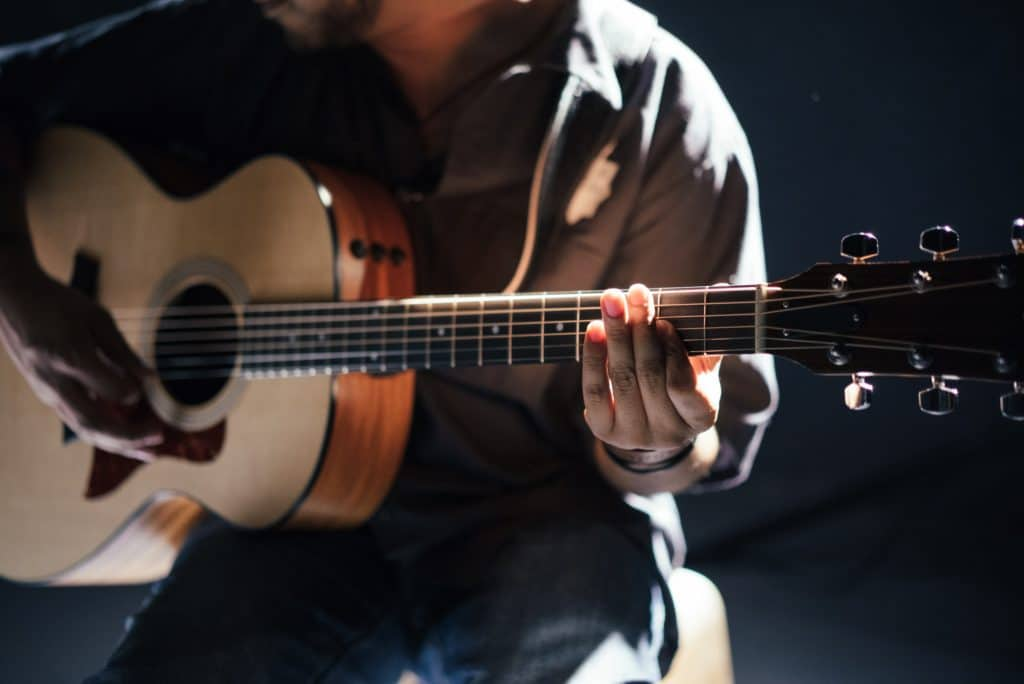 For example, an acoustic guitar shouldn't be recorded by placing the microphone directly at the sound hole - this would create a muddy sound.