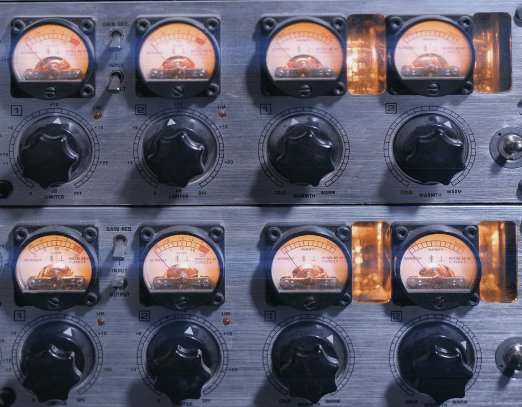 The compressor holds onto the signal until the next major transient occurs.